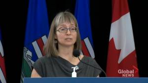 100% of new Alberta COVID-19 patients admitted hospital were unvaccinated: Hinshaw (02:07)
