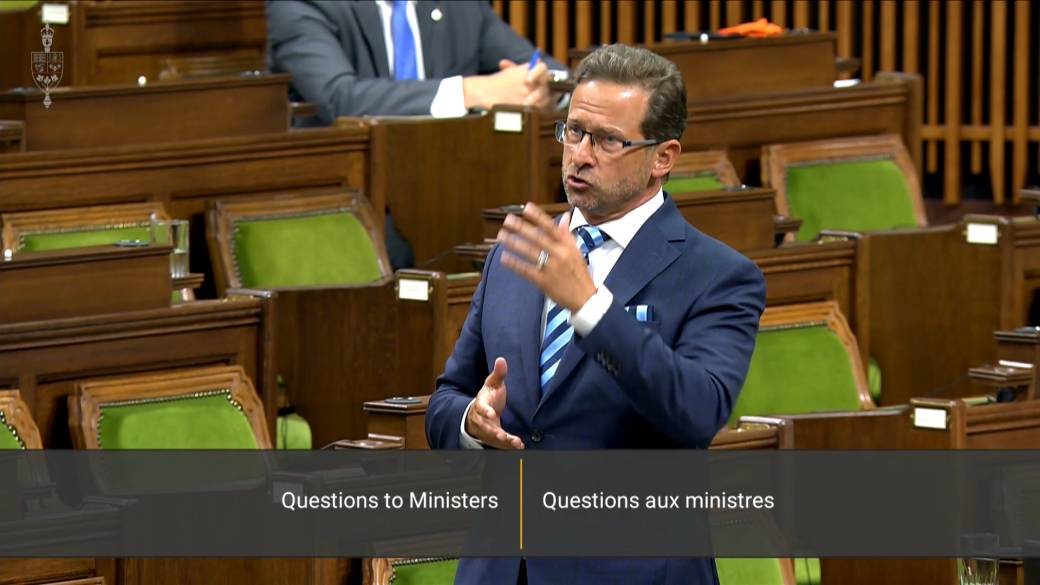 Click to play video 'Blanchet suggests he has lost confidence in the Trudeau government'