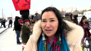 Wet'suwet'en, pro-pipeline demonstrators delay train in Saskatoon