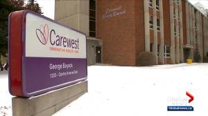 Calgary family fears for parents after COVID-19 outbreak at seniors care home (02:03)