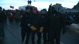 Unifor president Jerry Dias arrested during Regina Co-op Refinery blockade (00:33)