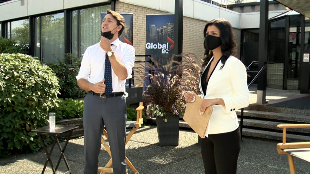 Click to play video: 'Trudeau tells off protester, asks 'isn't there a hospital you should be going to bother?''