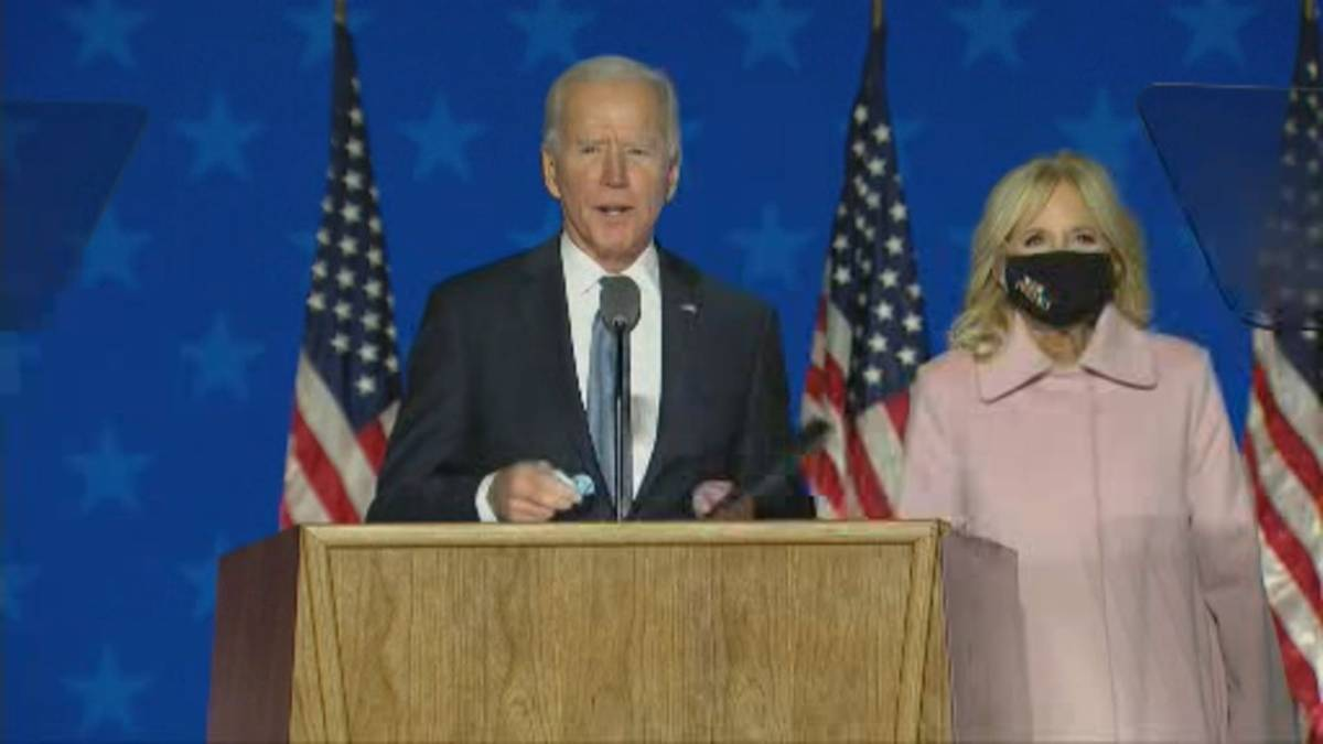 Click to play video 'U.S. election: Biden says he believes he's 'on track to win,' citing mail-in ballots'