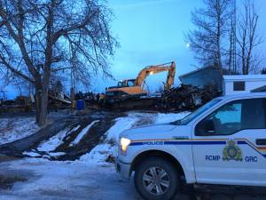 5 found dead in Alberta house fire
