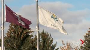 Southern Alberta municipalities rally against funding cuts (01:50)