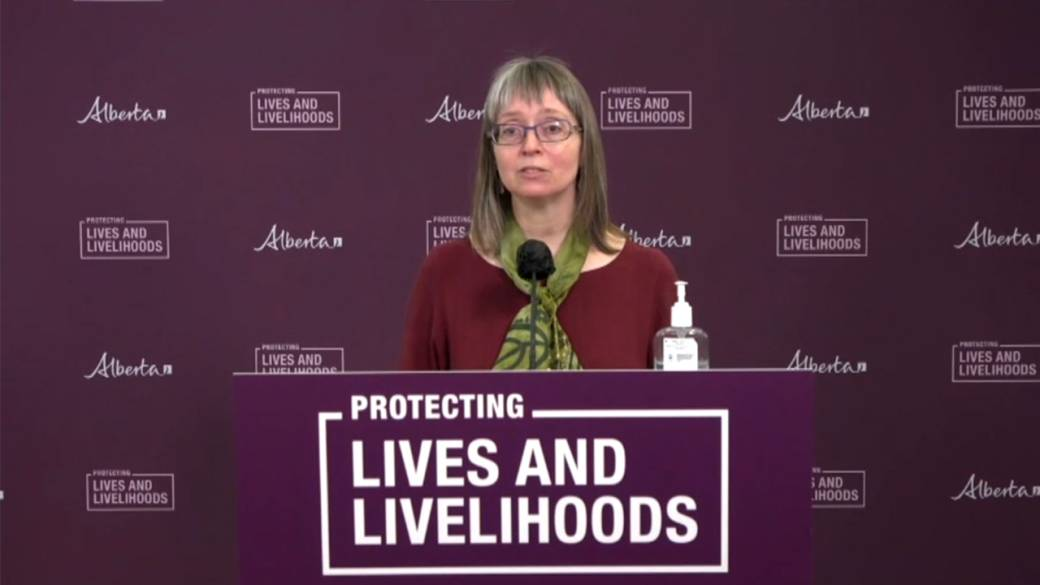 Click to play video 'Hinshaw says team is working with Indigenous populations who may mistrust vaccine rollout'