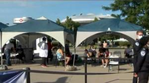 Laval hopes to score with mobile vaccination clinic (02:15)