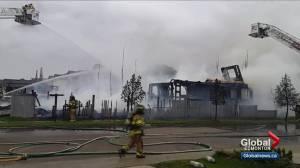 2 people injured, 3 homes destroyed by fire in Klarvatten neighbourhood (04:08)