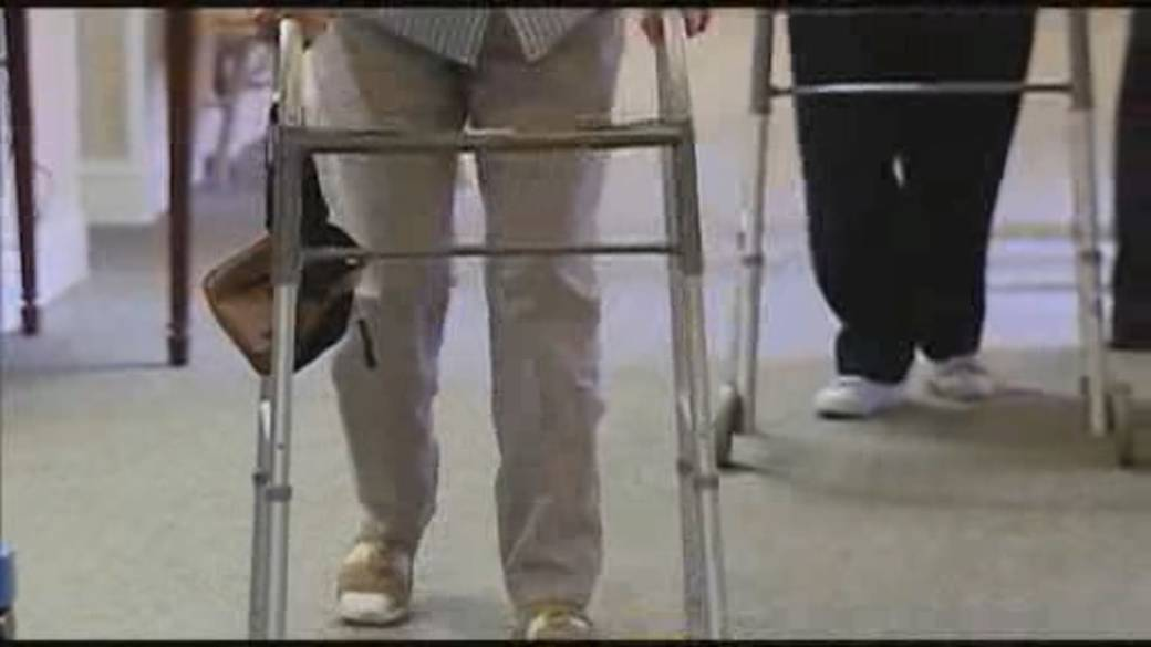Click to play video: 'Canada election: NDP push to ban for-profit long-term care homes'