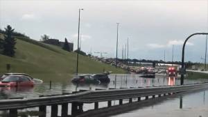 Storm in Calgary leaves neighbourhoods flooded (02:00)