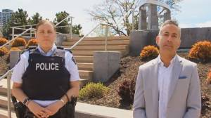 Kelowna RCMP and mayor urging anti-restriction protesters to follow health orders (01:37)