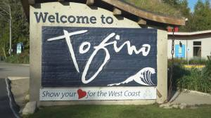 Lower Mainland residents urged to stay away from Tofino and Ucluelet (03:41)