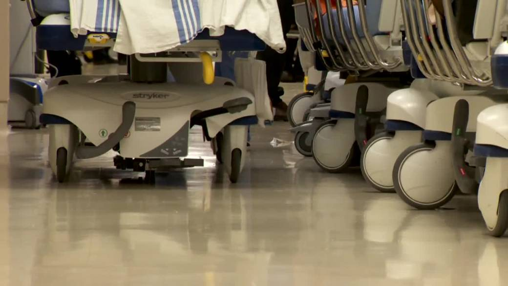 Click to play video: `` Manitoba Steps Up Preparations for Wave 3 as ICUs See Increase in COVID-19 Patients ''