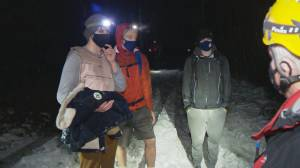 Thee hikers rescued Sunday night from Mount Fromme (00:43)