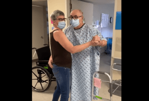 Richard Sommerfeld dances with wife on Mother's Day in hospital (00:12)