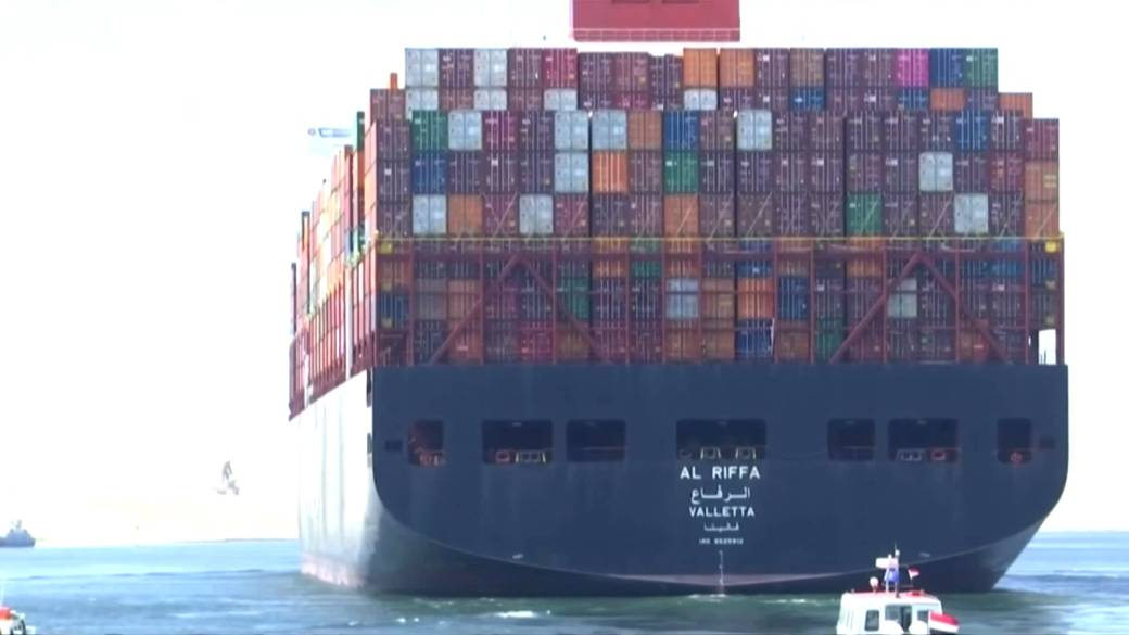 Click to Play Video: 'Global Shipping Container Crisis Hits Canadian Retailers'