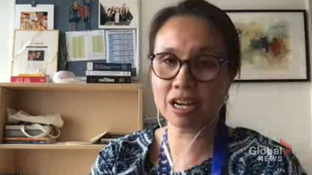 Click to play video: 'NACI suggests interval between vaccine doses could eventually be shortened to 2 months'