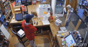 Play video: Anti-mask confrontation at Penticton liquor store caught on surveillance video