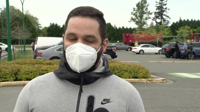 Click to play video: Surrey pop-up COVID-19 vaccination clinic sparks frustration and confusion