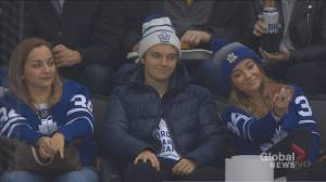 Toronto brother and sister go viral after taking selfie as Leafs get hammered by Penguins (01:38)