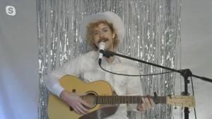 Alberta country music singer Robert Adam releases new music (05:13)