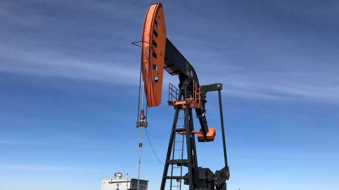 Click to play video: What Canada's green energy shift means for Alberta oil workers