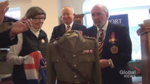 Farley Mowat's officer tunic unveiled at Port Hope Public Library
