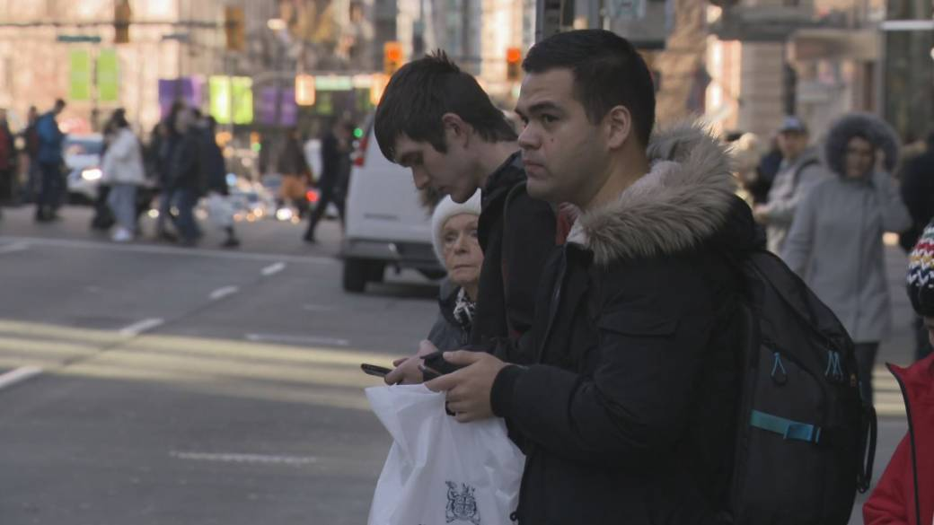 Click to play video 'Surge in complaints about Canadian telecom providers'
