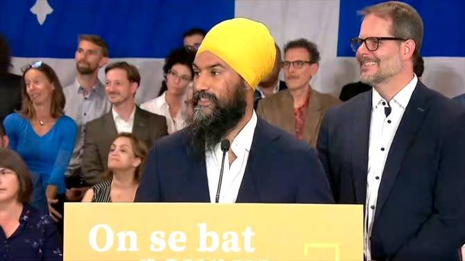 Jagmeet Singh wanted to 'show an openness' to Quebec with ad displaying him without a turban