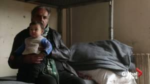 Thousands flee rebel-held Idlib as Syrian army advances (02:43)