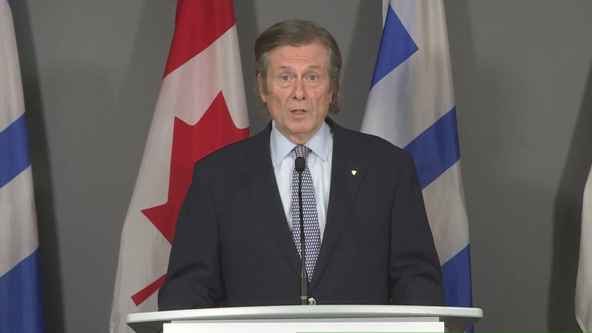 Click to play video: 'Toronto Mayor John Tory Says Thousands of COVID-19 Vaccine Meetings Available'