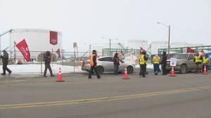 Unifor erects blockade around Co-op's fuel storage terminal in Carseland, Alta.