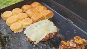 BBQ Tips: Smash Burgers (06:18)