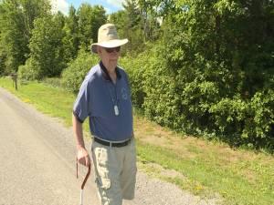 92 year old Kingston man walking 92 km for charity (01:29)