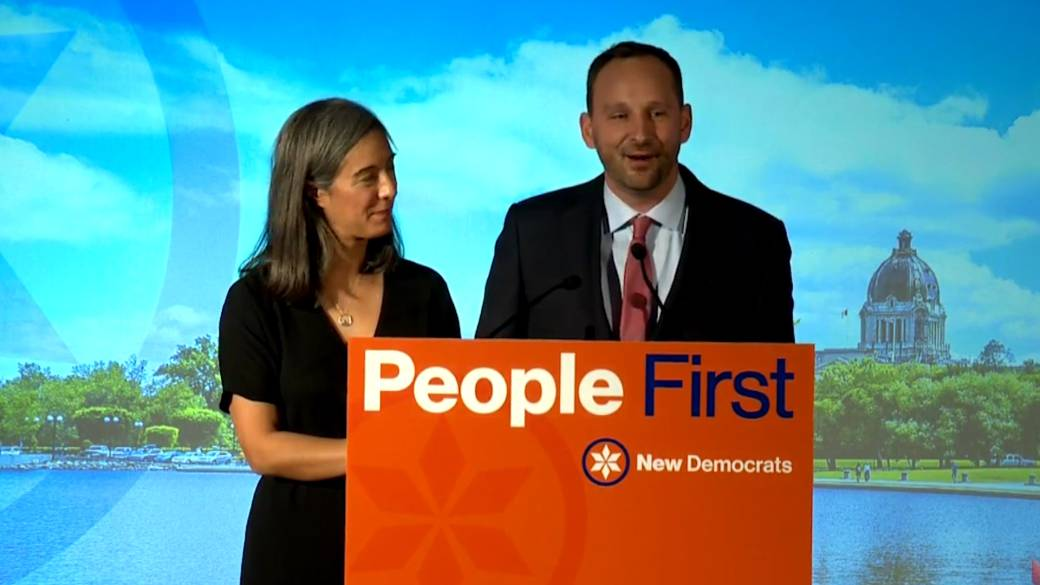 Click to play video 'Saskatchewan election 2020: NDP Leader Meili addresses voters, says election is about 'what we can achieve together''
