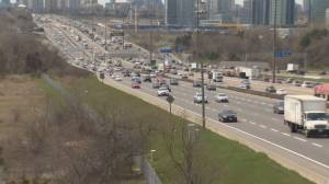 Majority of Canadians live in areas where air pollution exceeds WHO guidelines: researchers (01:35)