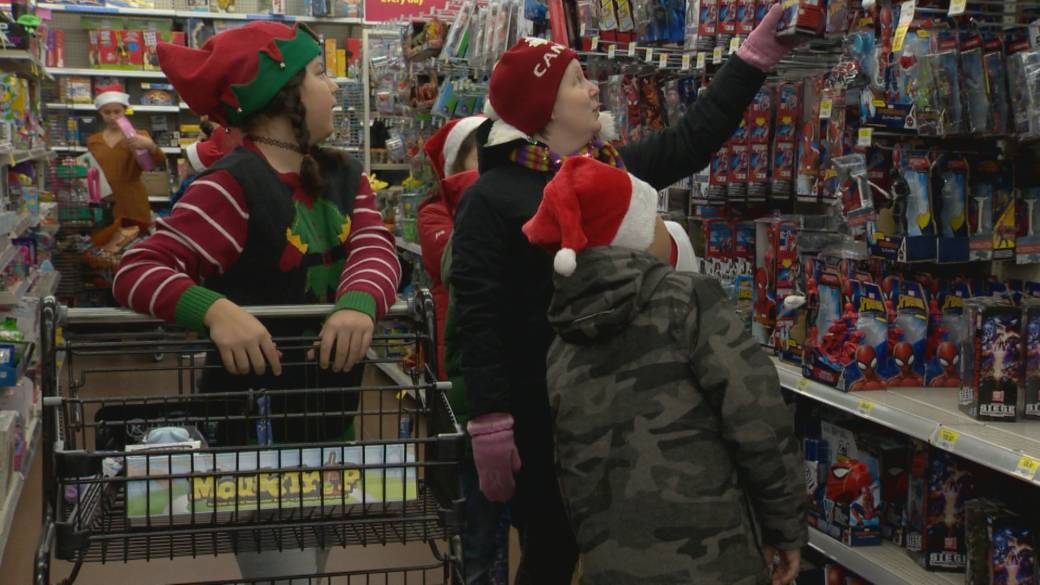 Lethbridge students buy more than 100 Christmas presents for Angel Tree campaign