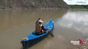 Alberta man canoeing across the Prairies in memory of grandchild lost to SIDS (02:08)