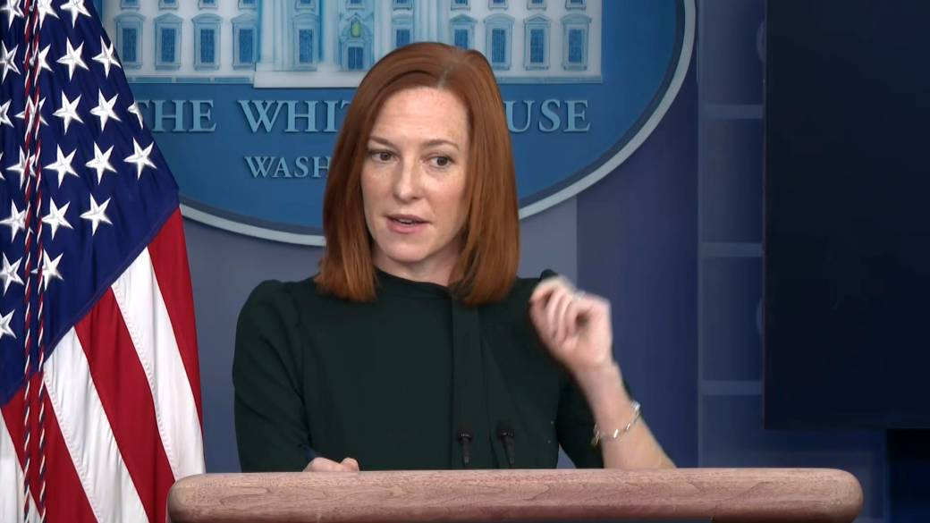 Click to play video 'White House says not President's role to weigh-in on 'fissures in the Republican party''
