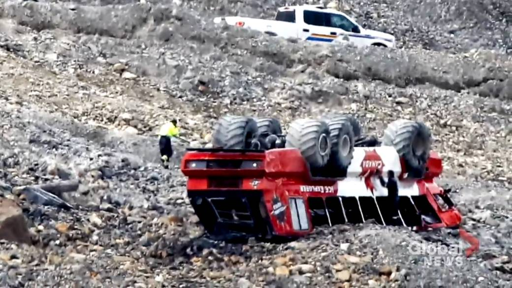 'Former drivers accidental    Columbia Icefield circuit  buses frought with information   issues, mediocre  maintenance'