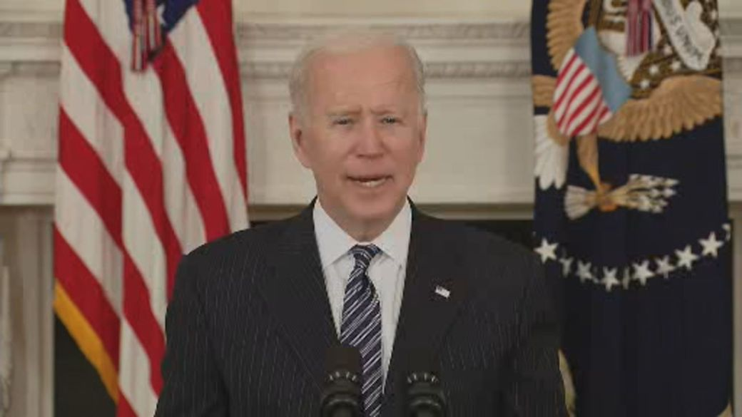 Click to play video: 'Biden says American adults will be eligible for COVID-19 vaccines by April 19'