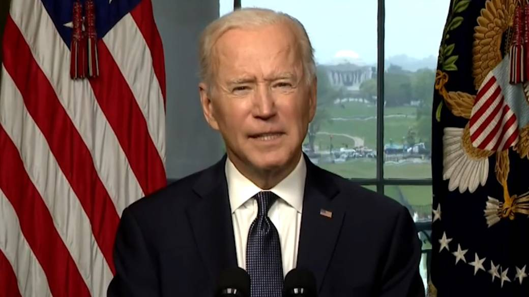 Click to play video: 'Biden says U.S. will continue 'diplomatic and humanitarian work' with Afghanistan'