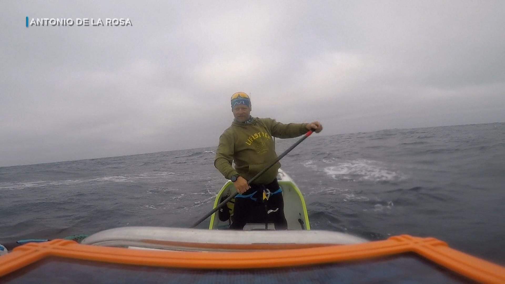 Spaniard becomes first person to paddle board Pacific Ocean