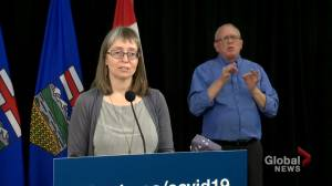 Hinshaw says discussions still underway for Alberta's transition to federal COVID-19 tracing app (01:01)