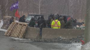 Quebec premier won't apologize over claims of dangerous assault rifles in Kahnawake