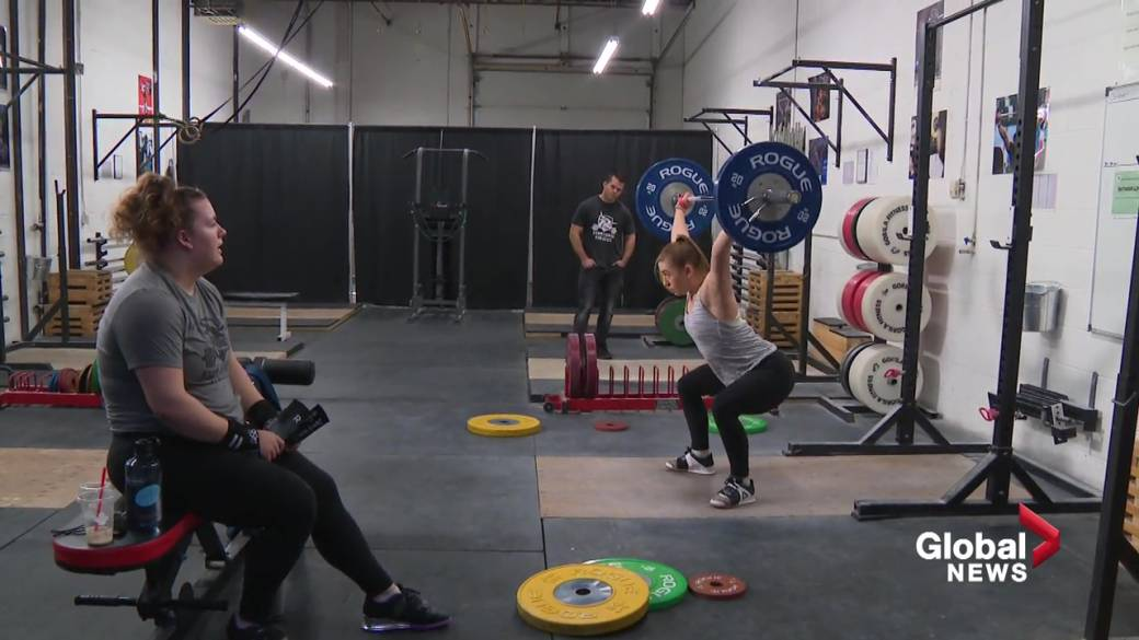 Click to play video 'Olympic-style weightlifters from St. Albert to represent Canada on world stage'