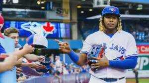 Toronto Blue Jays take on New York Yankees in pivotal series of games (01:54)