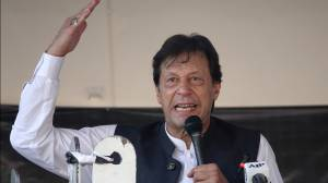 Pakistan PM says Indian crackdown on Kashmir will spur global Muslim extremism