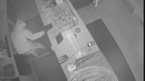 Toronto police investigate rash of Christmas robberies (02:33)