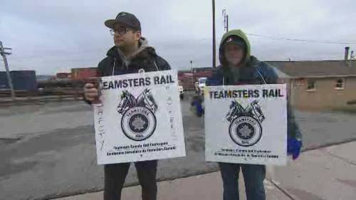 Farmers in Quebec rally, calling for end to CN Rail strike